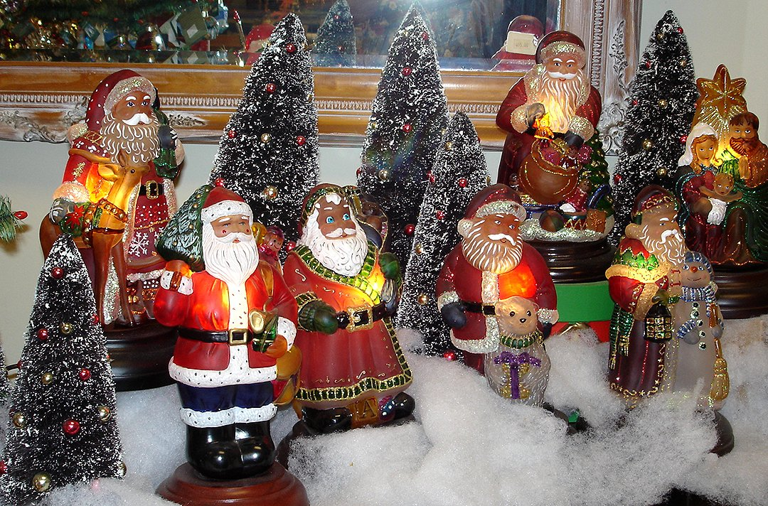 old world christmas night light display