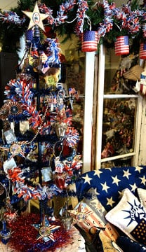 Patriotic ornaments at Traditions