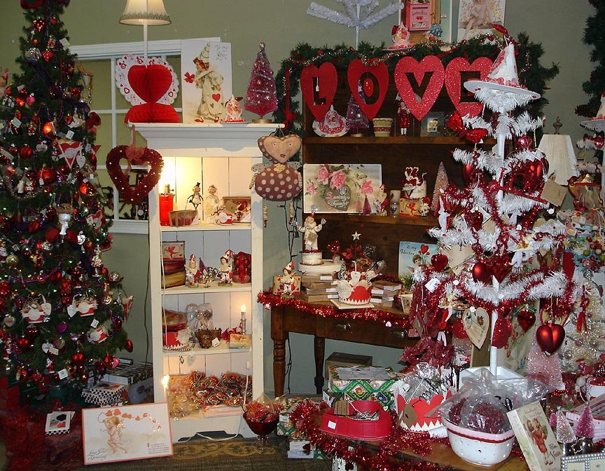 valentine day decor. Valentine's Day comes hot on the heels of Christmas,