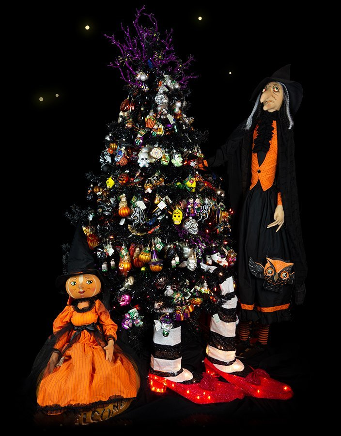 Decorating Christmas Trees For Halloween.Halloween Ornaments