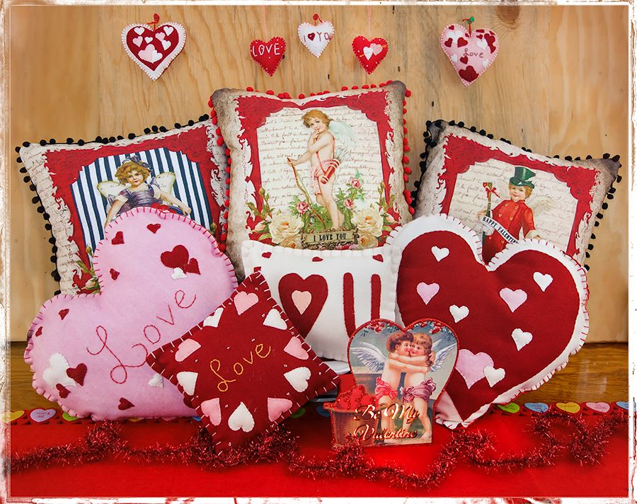 Valentine S Day Pillows Tree Skirts Table Runners