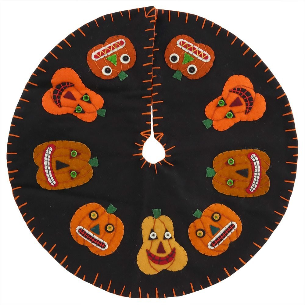 Pumpkins In A Circle Tree Skirt