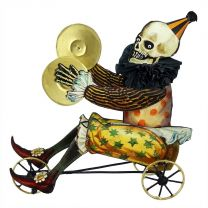 Circus Skelly on Trike
